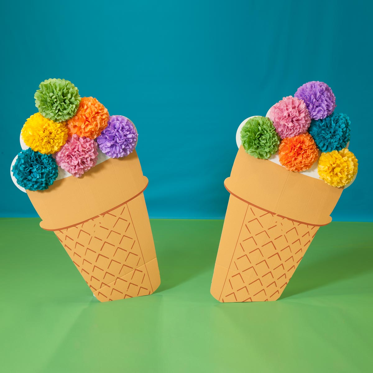 Six Scoops Ice Cream Cones Kit (set of 2)